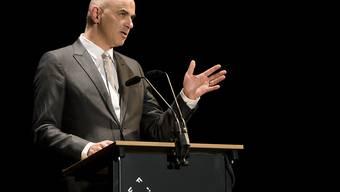 Bundesrat Alain Berset hat am Mittwochabend erstmals im Zuge der Corona-Pandemie wieder an einer kulturellen Veranstaltung teilgenommen. Er weilte am Freiburger Filmfestival FIFF. (Archivbild)