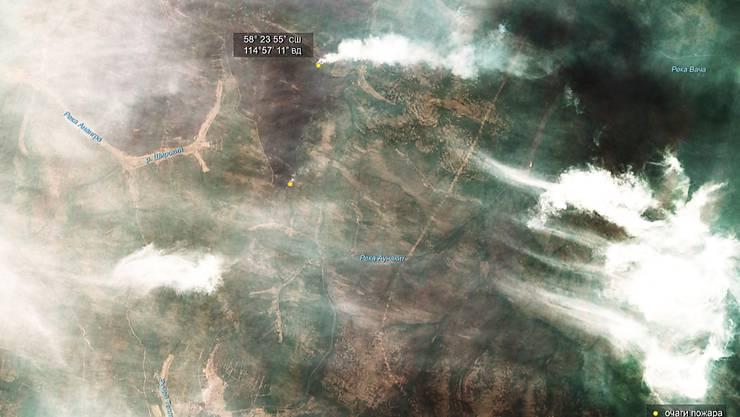 Eine Satellitenaufnahme der Waldbrände in der Region Irkutsk in Sibirien vom 1. August 2019. Insgesamt sind bereits mehr als 30'000 Quadratkilometer Fläche verbrannt.