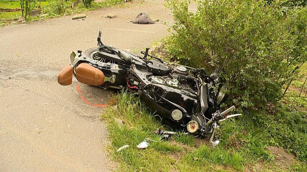 Dottikon AG: 43-jähriger Töff-Lernfahrer stirbt bei Frontalkollision