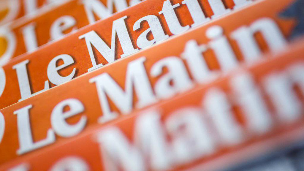 """Die Printausgabe der Westschweizer Zeitung """"Le Matin steht vor dem Aus. Tamedia will das Blatt Ende Juli einstellen. 41 Mitarbeitende droht der Verlust der Stelle. (Archiv)"""