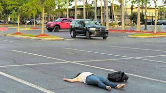 Die kanadische Künstlerin Melanie Gilligan zeigt die Working Poor in Orlando, Florida. (zvg / Videostill «Crowds», Melanie Gilligan)