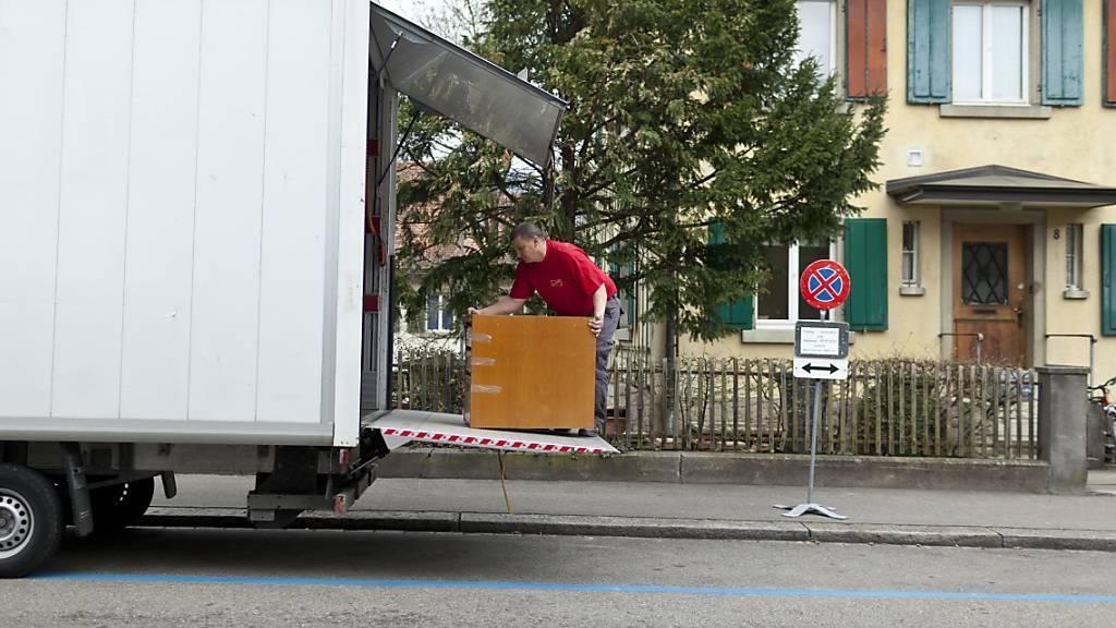 Bei einem Mieterwechsel im Kanton Luzern muss der bisherige Mietzins im Falle von Wohnungsknappheit offengelegt werden. (Symbolbild)
