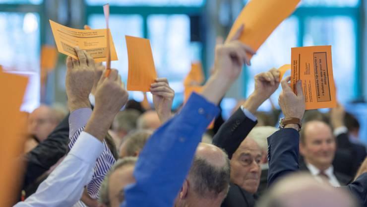Delegierte der SVP im Januar in Confignon bei Genf. Am Samstag treffen sie sich in Unterägeri, im Kanton ihres Fraktionschefs, dem Zuger Nationalrat Thomas Aeschi. (Archiv)