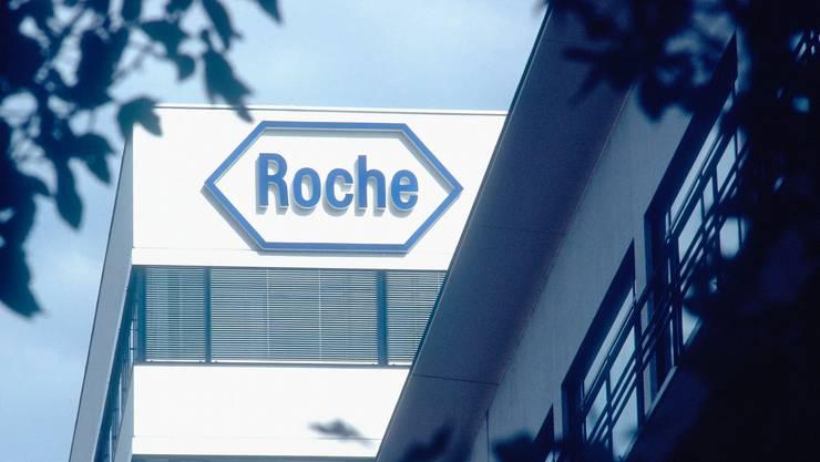 Preisdruck Roche macht derzeit keine aktuellen Aussagen zum Geschäftsgang («Schweigeperiode» vor der Veröffentlichung des Jahresergebnisses). In Stellvertretung schreibt Interpharma, der Verband der forschenden Pharmaindustrie in der Schweiz, das diese für 2014 gut gerüstet sei. Am starken Preisdruck auf den Medikamenten werde sich aufgrund der prekären Situation mancher Staatshaushalte nichts ändern. Interpharma rechnet für 2014 mit einer leichten Zunahme der Beschäftigten in der Pharmaindustrie in der Region Basel und der Schweiz. (STS)