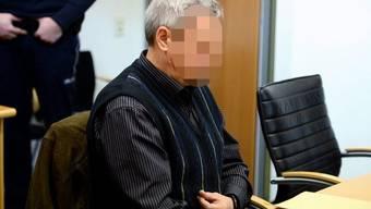 Dem Angeklagten und seiner Ehefrau drohen bis zu zehn Jahre Haft