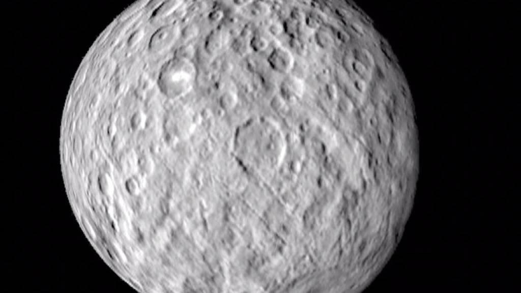 Eventuell Salzwasser unter Oberfläche von Zwergplanet Ceresn