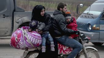 Menschen fliehen vor Assad Idlib erlebt den grössten Exodus seit Kriegsbeginn – und eine neue humanitäre Katastrophe.