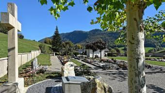 Der Friedhof in Welschenrohr liegt etwa 300 Meter nördlich der katholischen Kirche an der Kirchstrasse in Richtung Bärenacker.