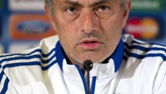 Jose Mourinho droht nach den zwei Platzverweisen Ärger durch die UEFA