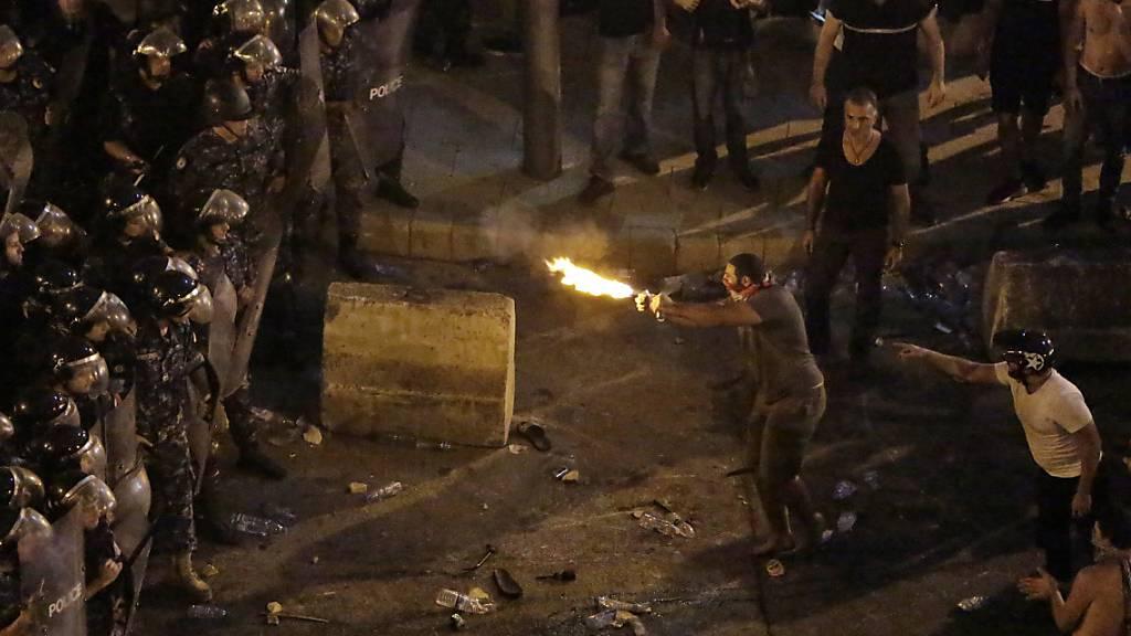 Tausende protestieren im Libanon gegen Regierung