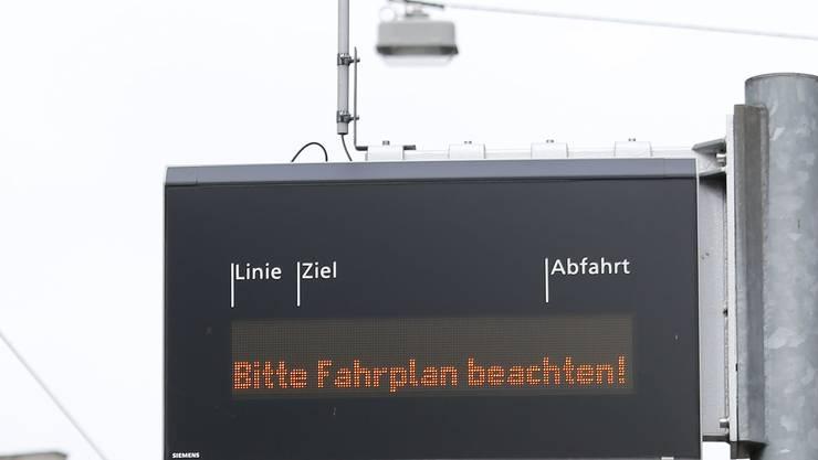 Dank Investitionen von knapp 4 Mio. Franken sollen die Anzeigetafeln der BVB zuverlässiger werden.