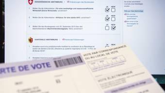 Gibt es bald gar keine Abstimmungsunterlagen mehr auf Papier? Der Bundesrat prüft die Voraussetzungen dafür in einem Bericht. (Symbolbild)