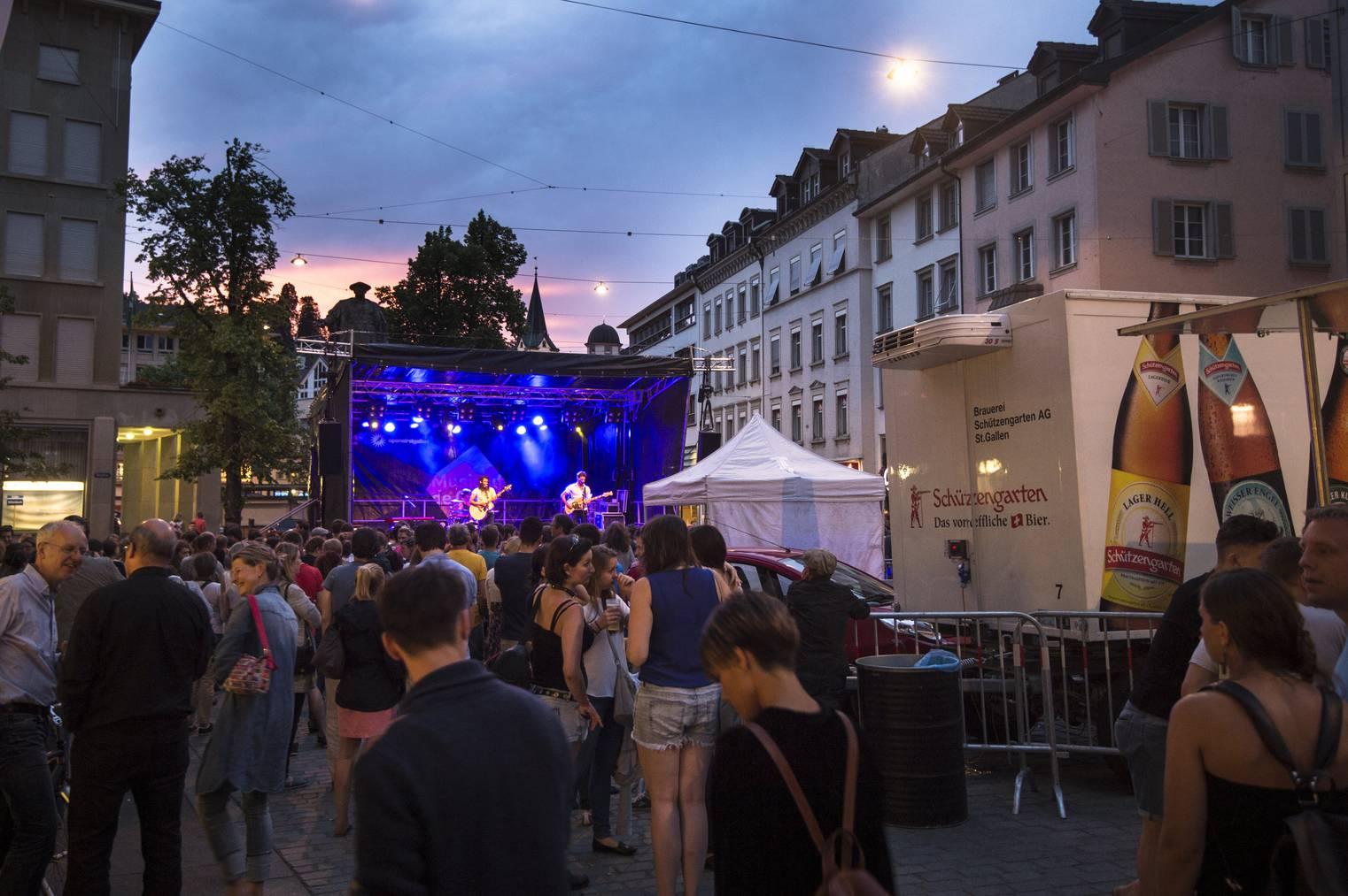 Traumwetter und gute Musik in St.Gallen. (Archivbild: Peer Füglistaller / St.Galler Tagblatt)