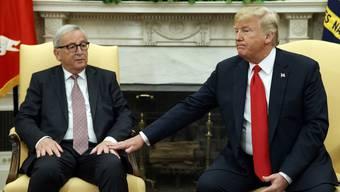 US-Präsident Trump bei seinem Treffen mit Jean-Claude Juncker im Oval Office.