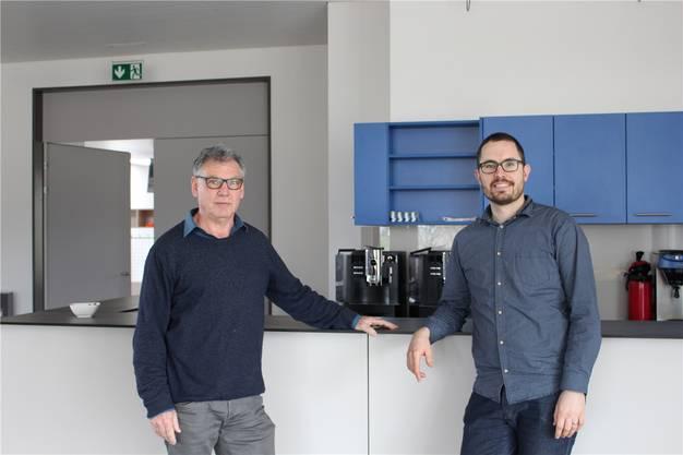 Andreas Ruh (l.) und Andi Müller freuen sich über die neue Kafi-Bar.