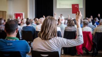 Der Grosse Rat des Kantons Aargau hiess 2015 die Gesuche von exakt 2566 Personen gut. Das sind 77,5 Prozent mehr als im Jahr davor.