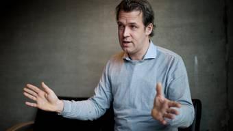 Carl Velve beim Interview im Besuchsraum der Strafanstalt Zug.