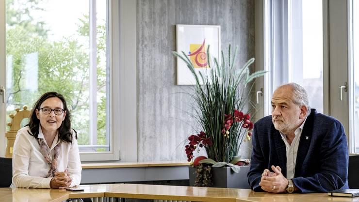 Nicole Nüssli (FDP) wird von Links herausgefordert: Christoph Morat soll für die SP das Gemeindepräsidium erobern, das zuletzt von 1992 bis 2004 mit Ruth Greiner in SP-Händen war.