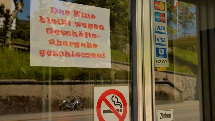 Seit Ende April ist das Kino Rex an der Bielstrasse geschlossen – ein Schild am Eingang weist darauf hin.