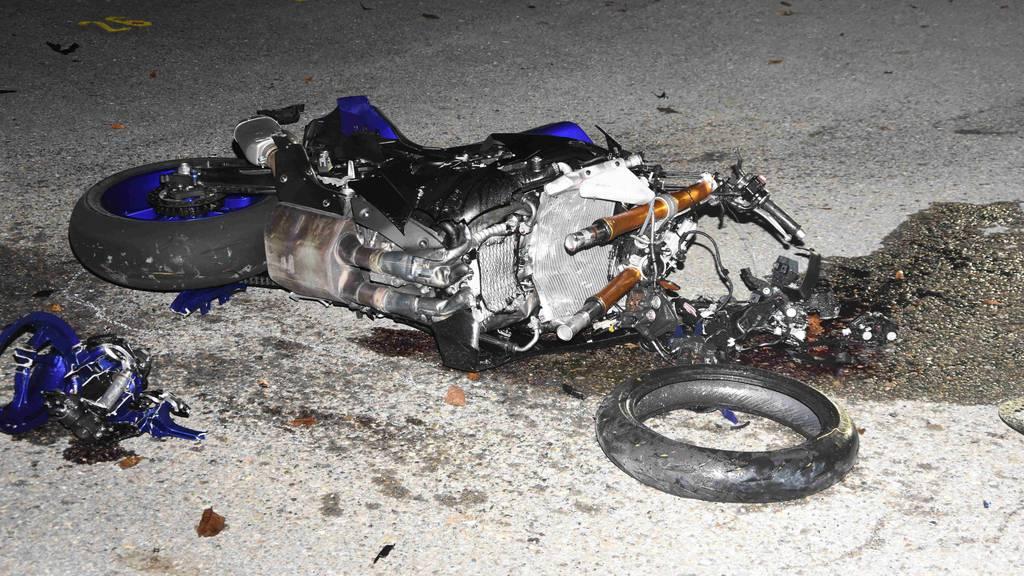 Bei Unfall mit fremdem Motorrad schwer verletzt