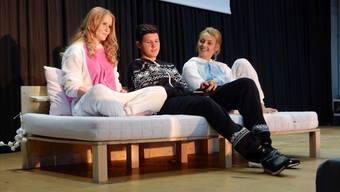 Die Schüler Julia, Martin und Lara aus der 3E zappten sich an der Abschlussfeier durch die Fernsehsender.