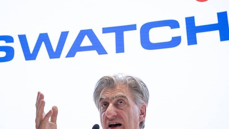 """Nick Hayek, CEO der Swatch Group, hat sich erstmals deutsch und deutlich dazu geäussert, was er vom Rahmenabkommen der Schweiz mit der EU hält: nichts. Die Schweiz dürfe sich nicht erpressen lassen, sagte der Swatch-Chef in der """"Samstagsrundschau"""" von Radio SRF. (Archivbild)"""