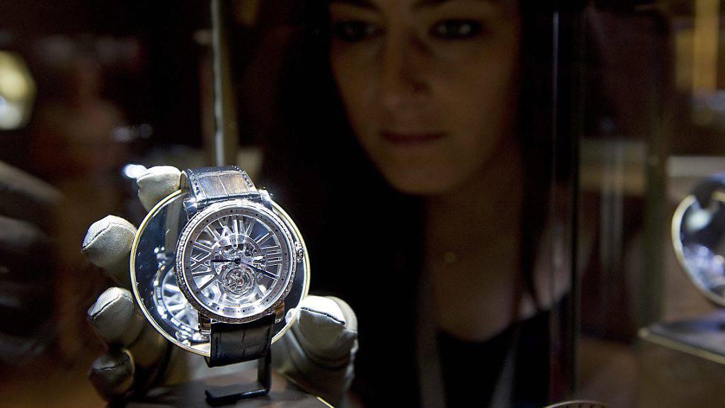 Die Richemont-Gruppe, zu der unter anderem die Luxusmarke Cartier gehört, will ihre Aktionäre mit einem Treueprogramm belohnen. Sie sollen handelbare Optionsscheine erhalten.(Archivbild)