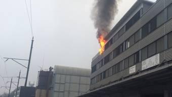 Beim Brand ist niemand verletzt worden. Es enstand aber ein Sachschaden von mehreren zehntausend Franken.