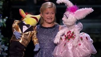 Bei Talentshows wie «America's Got Talent» hat man ja schon so ziemlich alles gesehen. Was aber die 12-jährige Darci Lynneaus Oklahoma performte, ist schon sehr beeindruckend. Mit ihrenzwei Puppen legte Lynne eine beeindruckende Bauchrednershow hin.