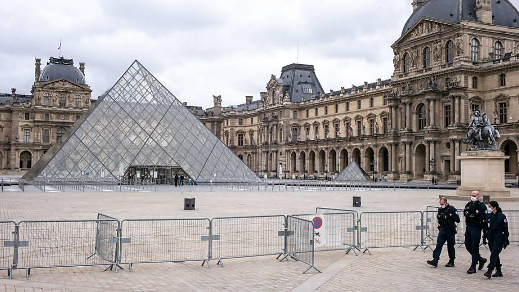 Der Louvre besitzt eine der größten Sammlungen weltweit. (Archiv)