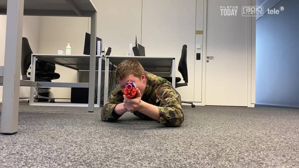 So wird unser Reporter daheim fit für die Armee