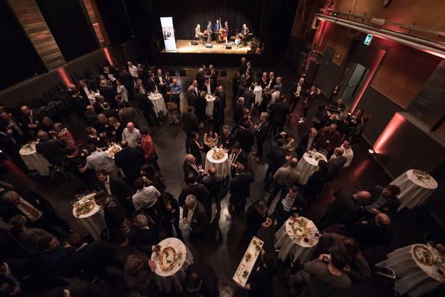 Die Veranstaltung zum Thema Nachfolgeplanung zog viel Publikum in die Schützi.