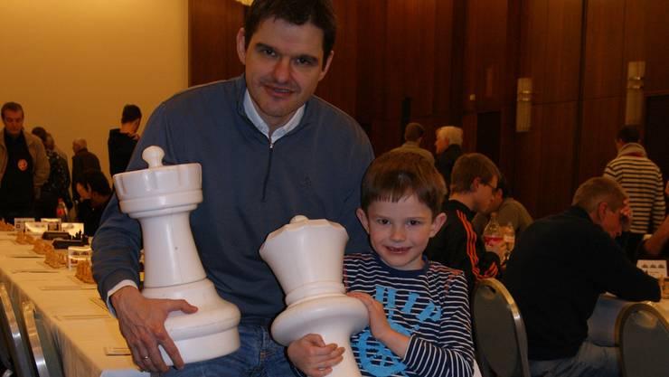 Markus (l.) und Pierre Lipinsky am Schachfestival Basel im Hotel Hilton.