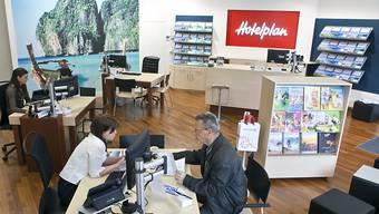 Hotelplan konnte im vergangenen Jahr zwar etwas weniger Kunden in den Reisebüros beraten - dafür seien die einzelnen Dossiers etwas grösser gewesen. (Archiv)