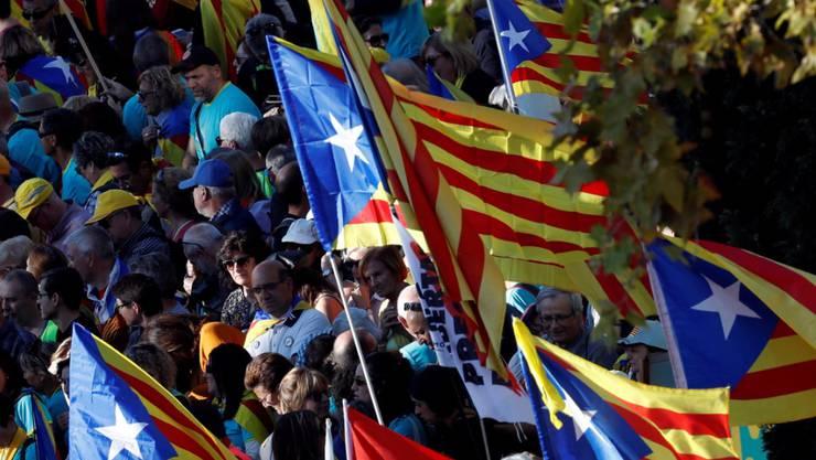 Und wieder gehen Hunderttausende in Kataloniens Hauptstadt Barcelona auf die Strasse - für die Unabhängigkeit von Spanien.
