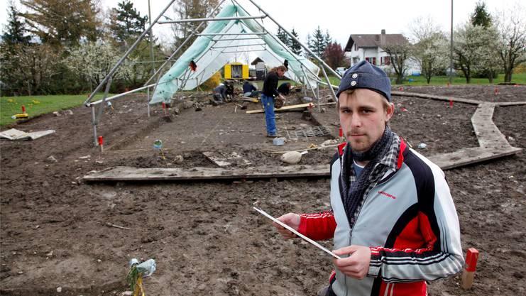 Grabungsleiter Simon Hardmeier und sein Team machen Teile des mittelalterlichen Städtchens sichtbar. (Archiv)