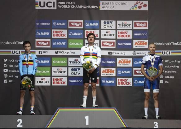 2018 gewann Hirschi (M.) bei der WM in Innsbruck das Strassenrennen in der U-23-Kategorie.