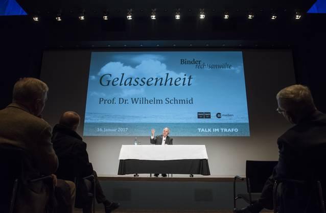 """Wilhelm Schmid spricht zu """"Gelassenheit"""", Talk im Trafo, Baden, 16. Januar 2017"""