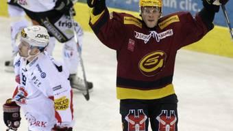 Servettes finnischer Topskorer Tony Salmelainen bejubelt in der 35. Minute seinen Treffer zum 3:1