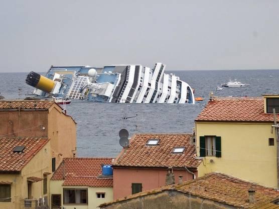 Die Costa Concordia liegt vor der Insel Giglio