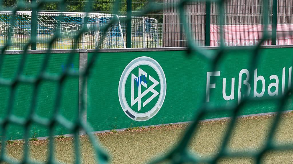 DFB führt zweigeteilte Transferperiode ein