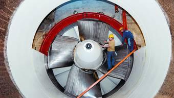Grösserer Strömungsquerschnitt: Nach dem Umbau erzeugen die Turbinen im Wasserkraftwerk in Flumenthal sechs Prozent mehr Strom. Die Arbeiten für die Effizienzsteigerung dauerten drei Jahre und kosteten 30 Millionen Franken. (zvg)