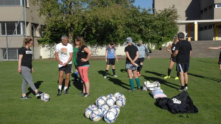 Andy Egli trainiert das Dietiker Lehrer-Team. Die Vorteile seiner Mannschaft gegenüber den FCZ-Legenden sieht er in der Physis.