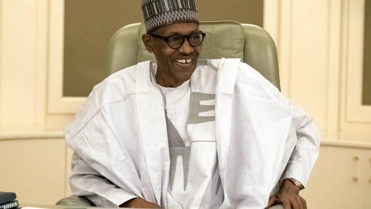 Nigerias Präsident Muhammadu Buhari hat zwei Spitzenkader in seinem Land wegen Korruptionsverdacht entlassen. (Archivbild)