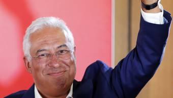 Mit erhobener Faust: Portugals sozialistischer Premierminister Antonio Costa hat die Wahlen in seinem Land gewonnen.