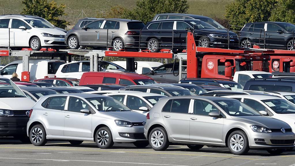 Gab es im Tessin ein Kartell von VW-Händlern? Die Weko hat eine Untersuchung dazu ausgeweitet. (Themenbilder)