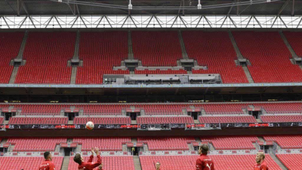 Das Schweizer Nationalteam am Montagabend beim Abschlusstraining im Wembley