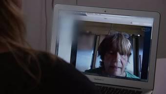 Im Skype-Gespräch mit der flüchtigen Grossmutter: Für die SRF-Rundschau berichtet die Frau aus dem Aargau über ihre Beweggründe. Der Beitrag wird heute Abend ausgestrahlt