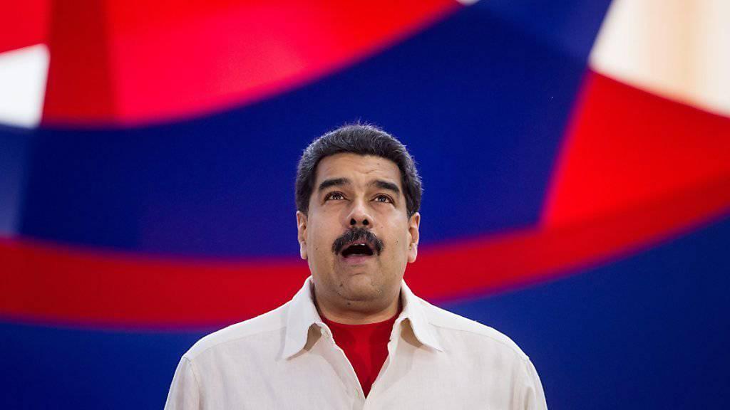 Venezuelas Präsident Nicolas Maduro verschafft sich eine Atempause: Die Stromrationierungen werden aufgehoben, weil die Dürre langsam abklingt.