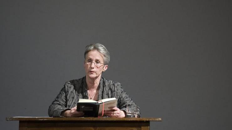 """Verena Stefan liest 2008 an den Solothurner Literaturtagen aus ihrem Roman """"Fremdschläfer"""". Nun ist die Autorin im Alter von 70 Jahren in ihrer Wahlheimat Montreal gestorben."""